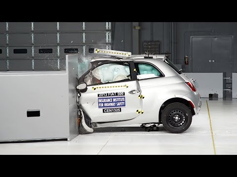 2013 Fiat 500 driver-side small overlap IIHS crash test