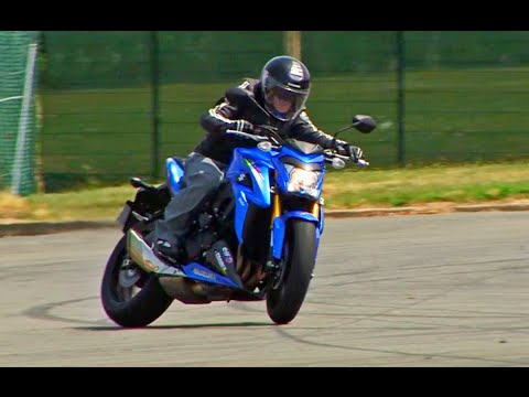 Suzuki GSX-S 1000 : Une moto pour vitaminer les vieux !! - VIDEO LUC MOTOS (English Subtitles)