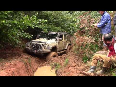 Jeep Wrangler JK vs Jeep GC 5.9 vs Land Rover Defender 90