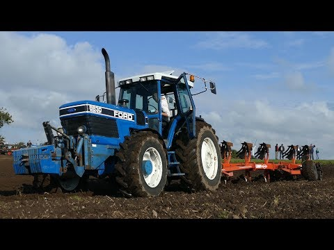 Ford 8830 Powershift Ploughing w/ 6-Furrow Kuhn Manager Plough at Ford Days 2017 | DK Agriculture