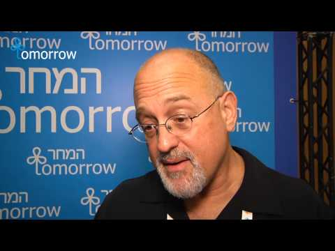 "daniel gilbert reporting live from tomorrow essay Paper 3 ""reporting live from tomorrow,"" daniel gilbert ""attention deficit:the brain syndrome of our era, richard restak gilbert discusses how individuals."