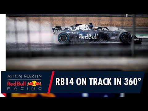 On Board in 360° with Daniel Ricciardo for the RB14